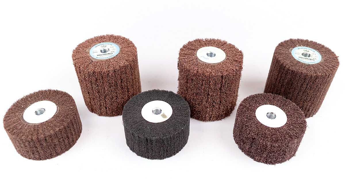 Nonwoven abrasive flap wheel with M14 landing thread